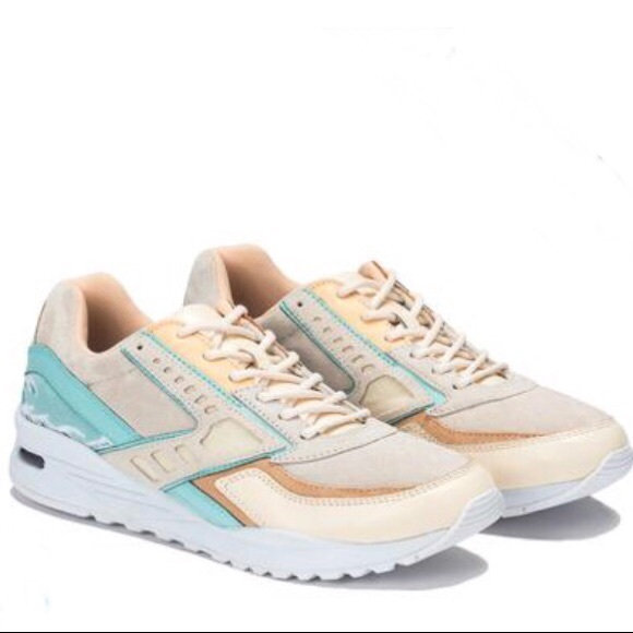 classic fit 5c3f1 ec10c Brooks Other - Brooks + Pink Dolphin Tsunami Regent Sneaker